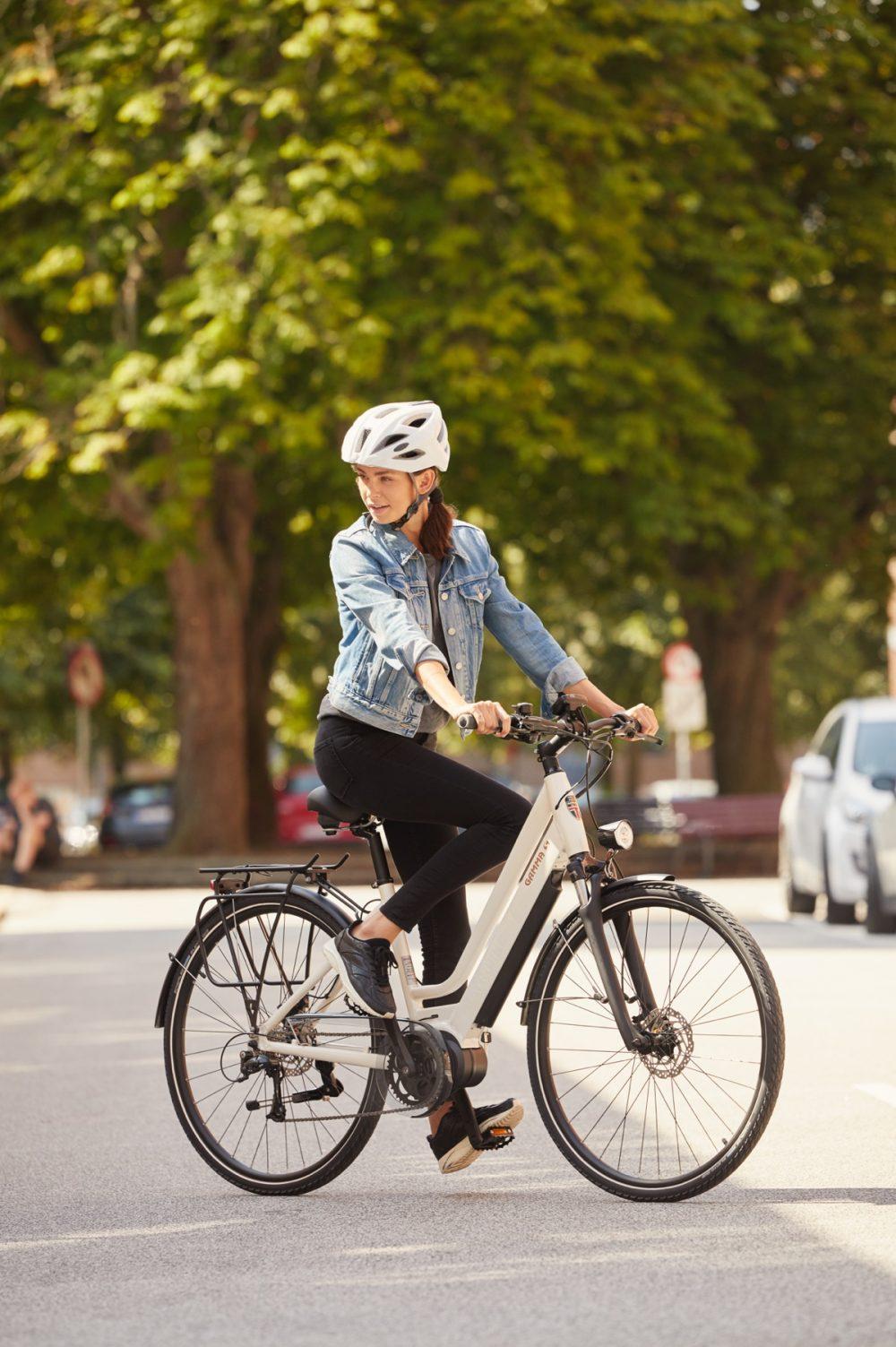 Step-Through style with Hidden Battery | High Torque Centre Motor | Stylish City Bike